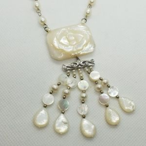 "18"" sterling silver FW pearl, carved MOP necklace."